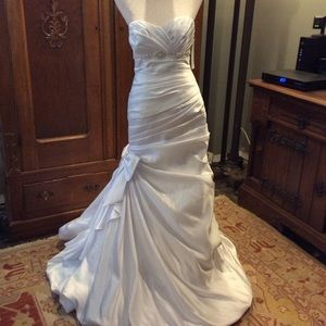 Old Hollywood glamour wedding gown sz. 6